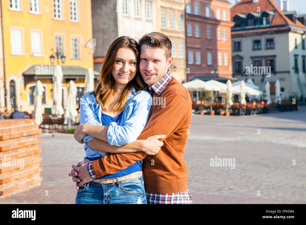 Porträt von glücklich Mitte erwachsenes paar in Warschau Stockbild
