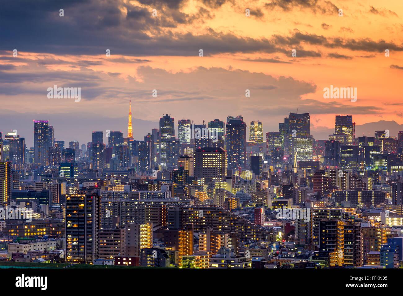 Tokyo, Japan Stadt Skyline in der Abenddämmerung. Stockbild