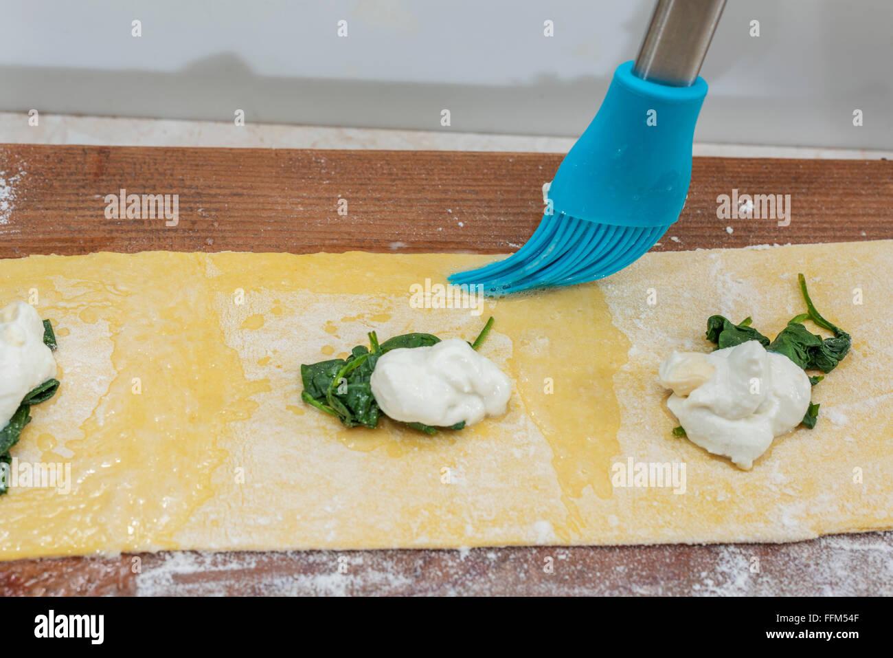 Hand Made Cheese Stockfotos & Hand Made Cheese Bilder - Alamy