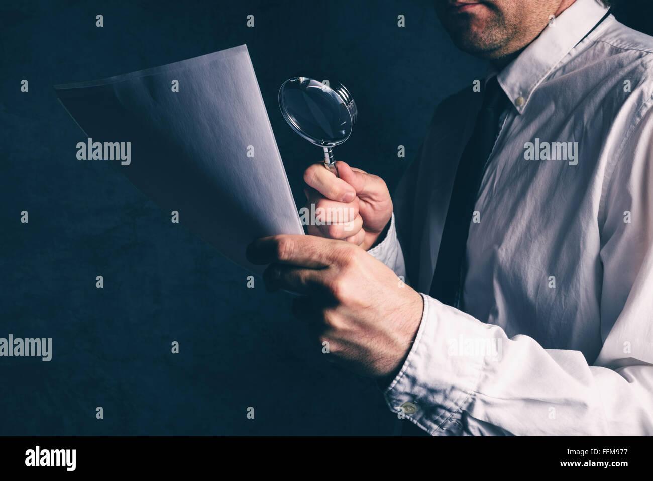 Steuerkommissär tun, Rechnungsprüfung, Kaufmann, die geschäftlichen Bericht oder Vertrag Fußnoten Haftungsausschluss Stockfoto