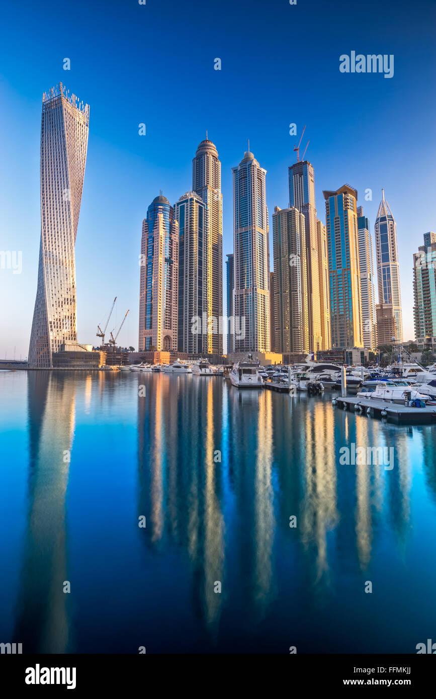 Wolkenkratzer in Dubai Marina. VEREINIGTE ARABISCHE EMIRATE Stockbild
