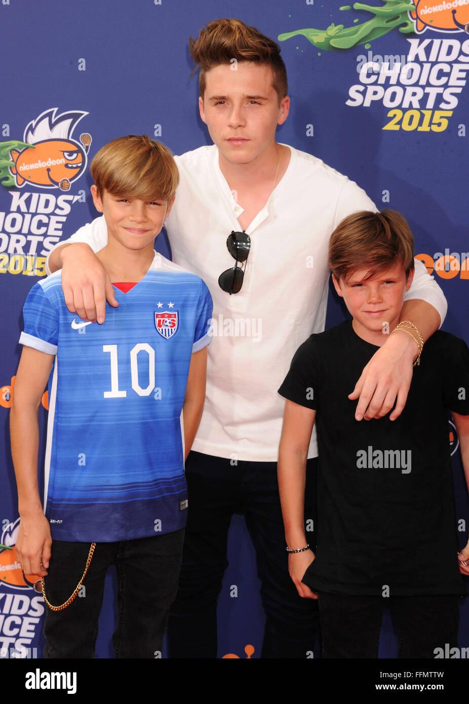 (L - R) Romeo Beckham, Brooklyn Beckham und Cruz Beckham Ankunft am Nickelodeon Kids' Choice Sports Awards 2015 Stockbild