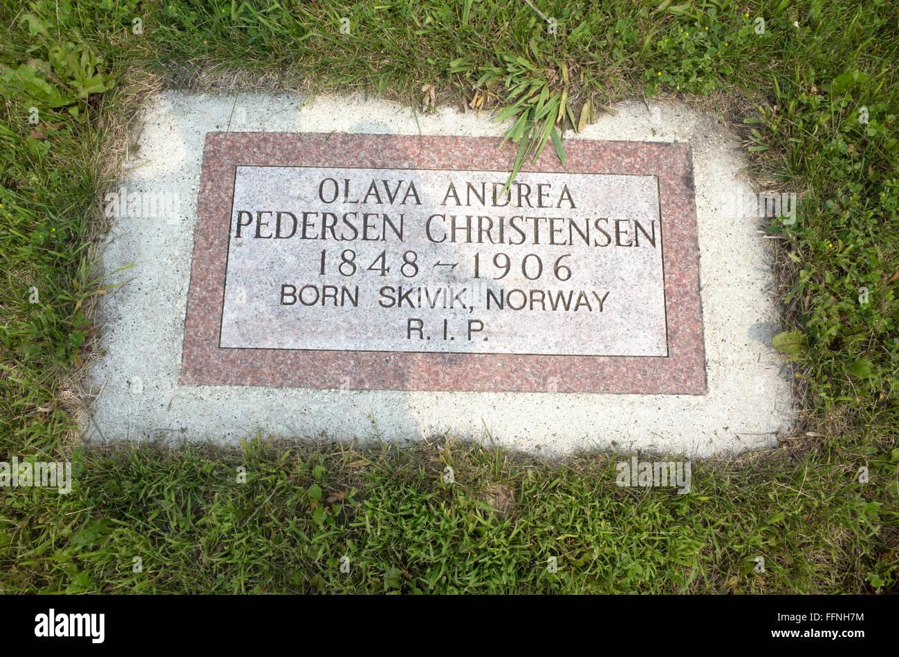 Grabstein auf dem Friedhof für Geisteskranke, in einem Feld hinter Fergus Falls regionale Behandlungszentrum. Stockbild