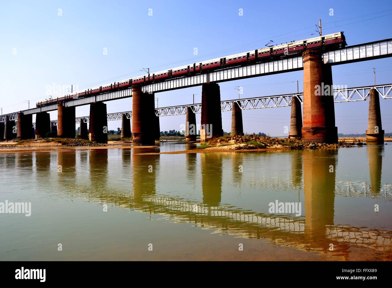 Muster der Eisenbahnbrücke Stockbild