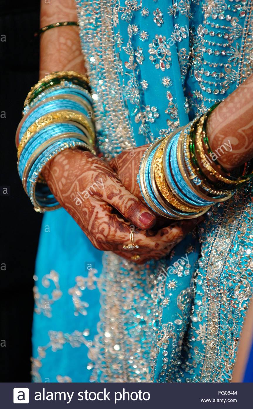 Heena Ornamente Auf Den Handen Der Braut In Der Indisch