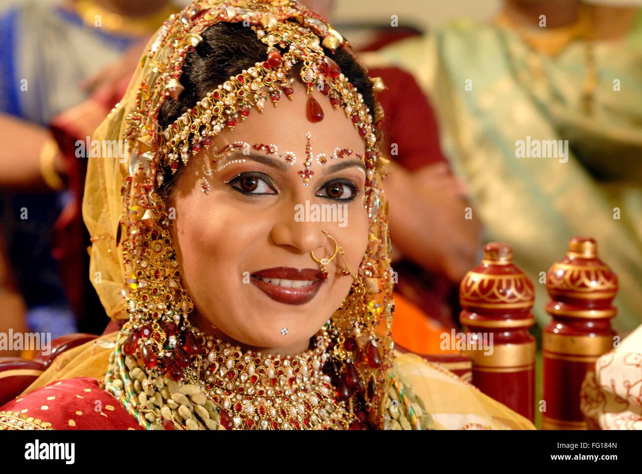 South Asian Indisch Hinduistischen Hochzeitszeremonie Braut