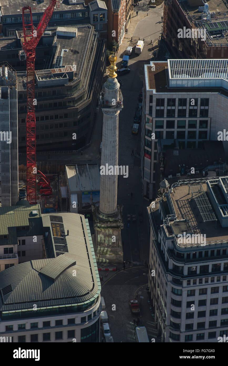 Eine Luftaufnahme des Denkmals für den großen Brand von London Stockbild
