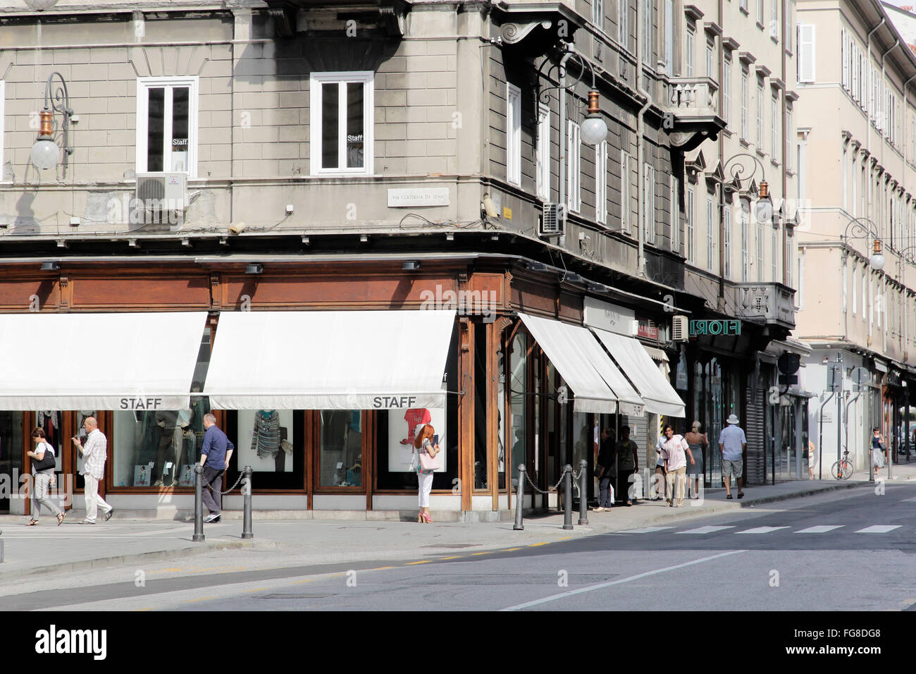 Geographie/Reisen, Italien, Friaul, Triest, Piazza della Repubblica, street scene, Additional-Rights - Clearance Stockbild