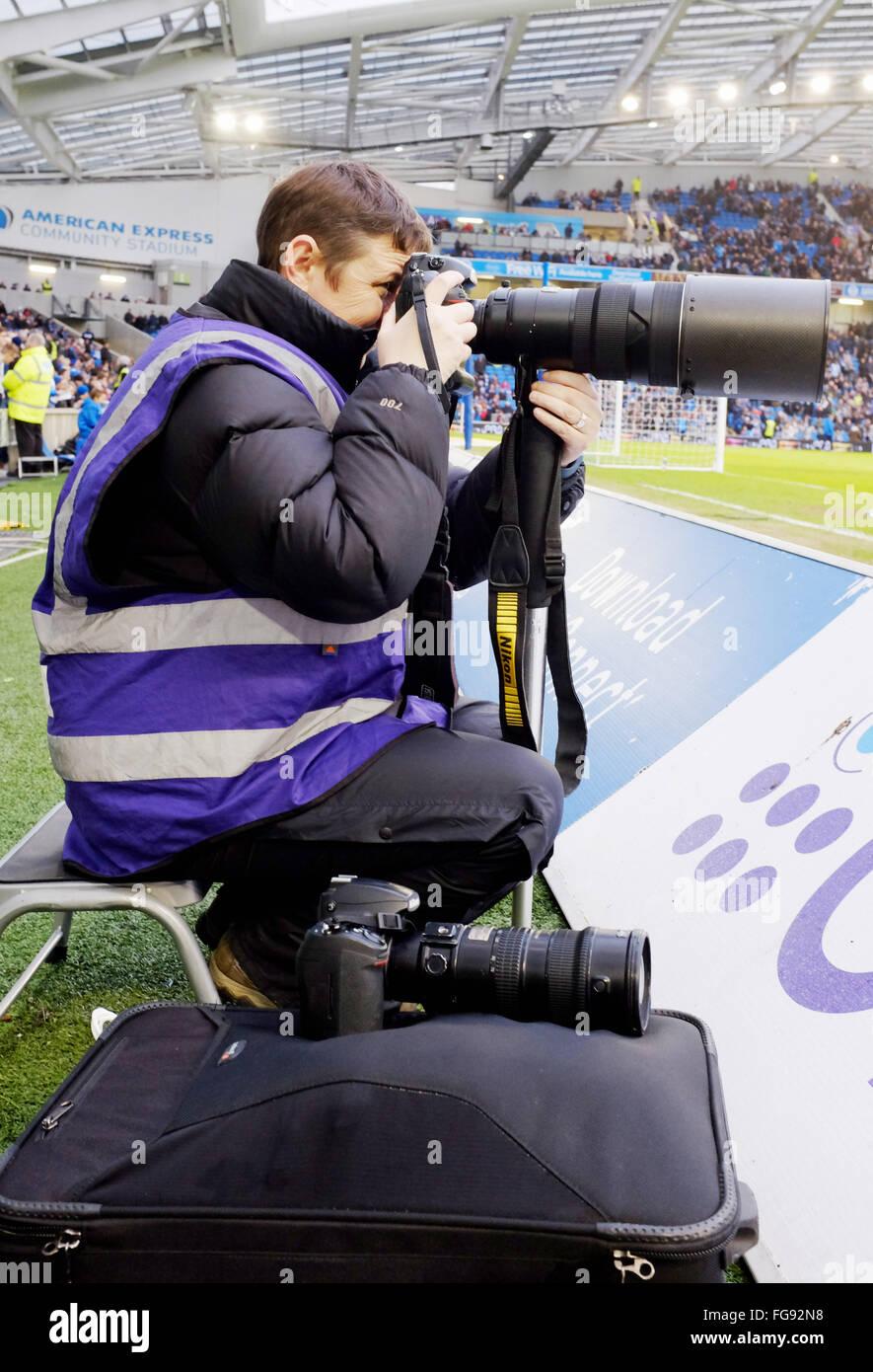Weibliche Sport Fussball Fotograf Bei Der Arbeit Mit