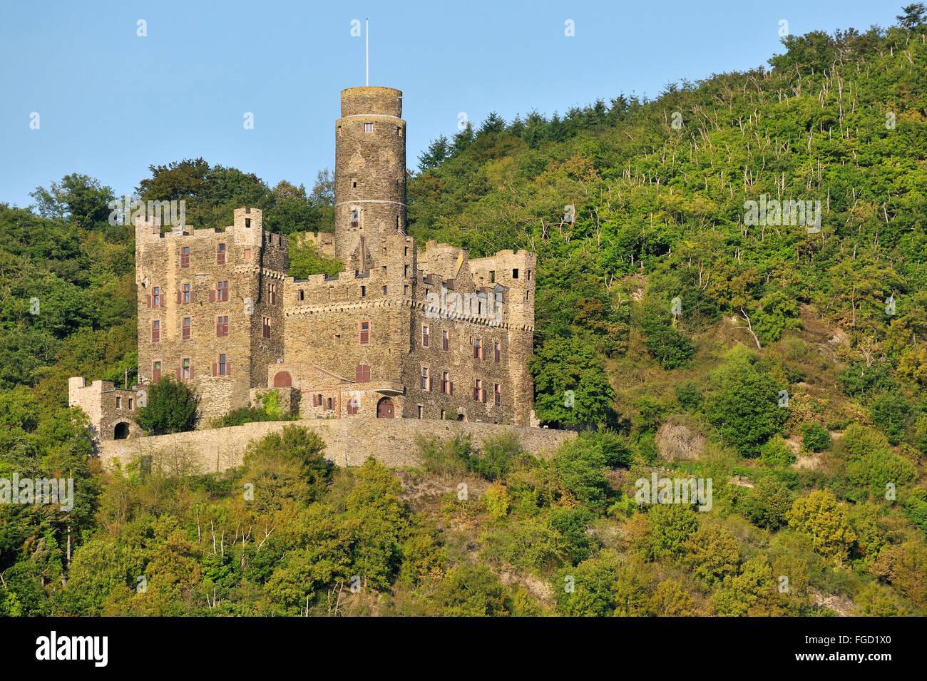 Maus-Burg über dem Dorf Wellmich, nahe der Stadt Sankt Goarshausen, Oberes Mittelrheintal, Deutschland Stockbild