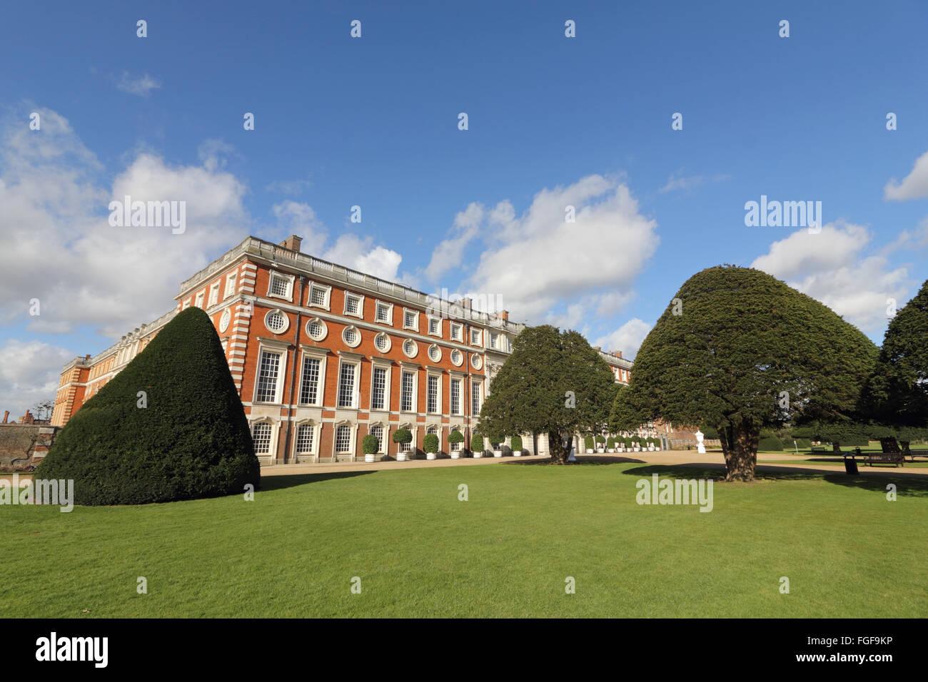 Hampton Court, SW-London, England, Vereinigtes Königreich. 19. Februar 2016. Es war ein sonnigen Morgen in Stockbild