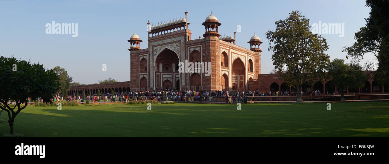Taj Mahal, ein Mausoleum aus weißem Marmor in Agra, Indien. Stockbild