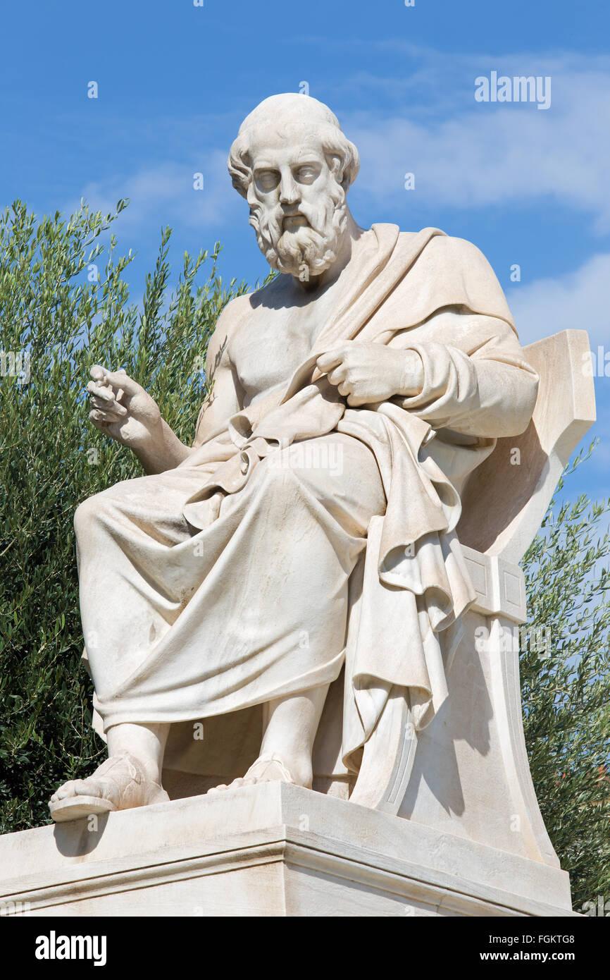 Athen - die Statue des Plato vor National Academy Gebäude von dem italienischen Bildhauer Piccarelli (ab 19. Stockbild