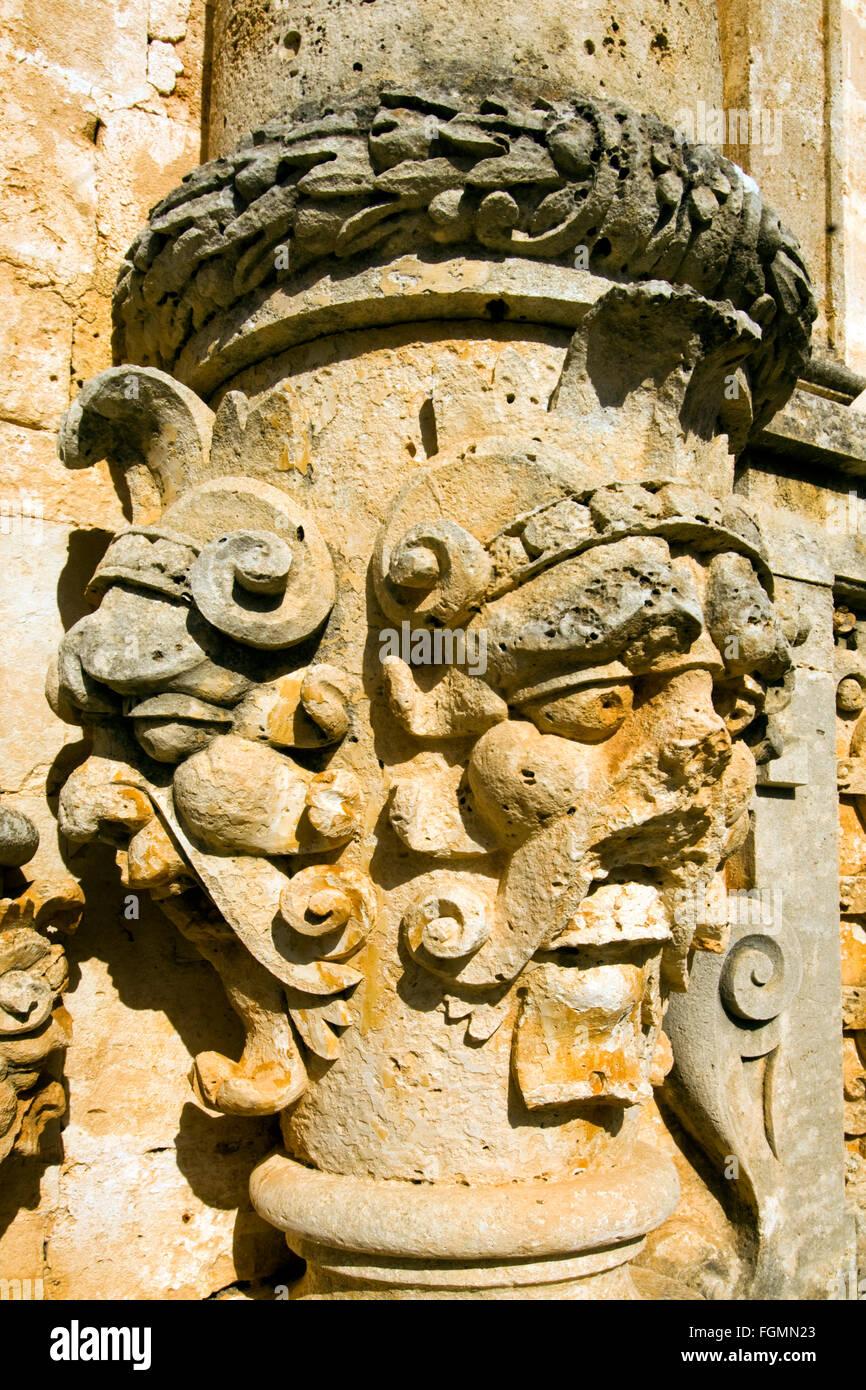 Griechenland, Kreta, Bei Chania, Akrotiri-Halbinsel, Kloster Moni Gouverneto, Fassade der Klosterkirche Im Stil Stockbild