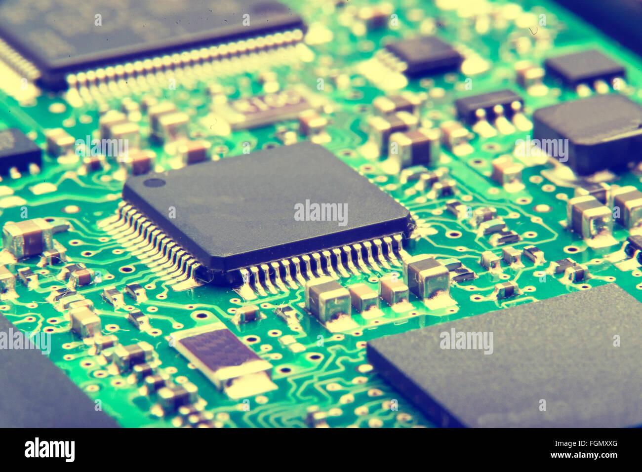 Elektronikplatine hautnah. Grünes PCB Stockbild
