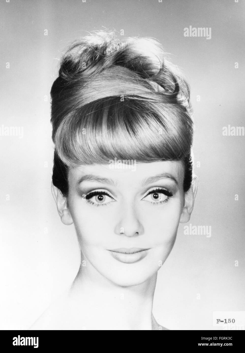 Frisuren 60Er Jahre | Mode 60er Jahre Frisuren Put Up Frisur Juli 1964 Additional