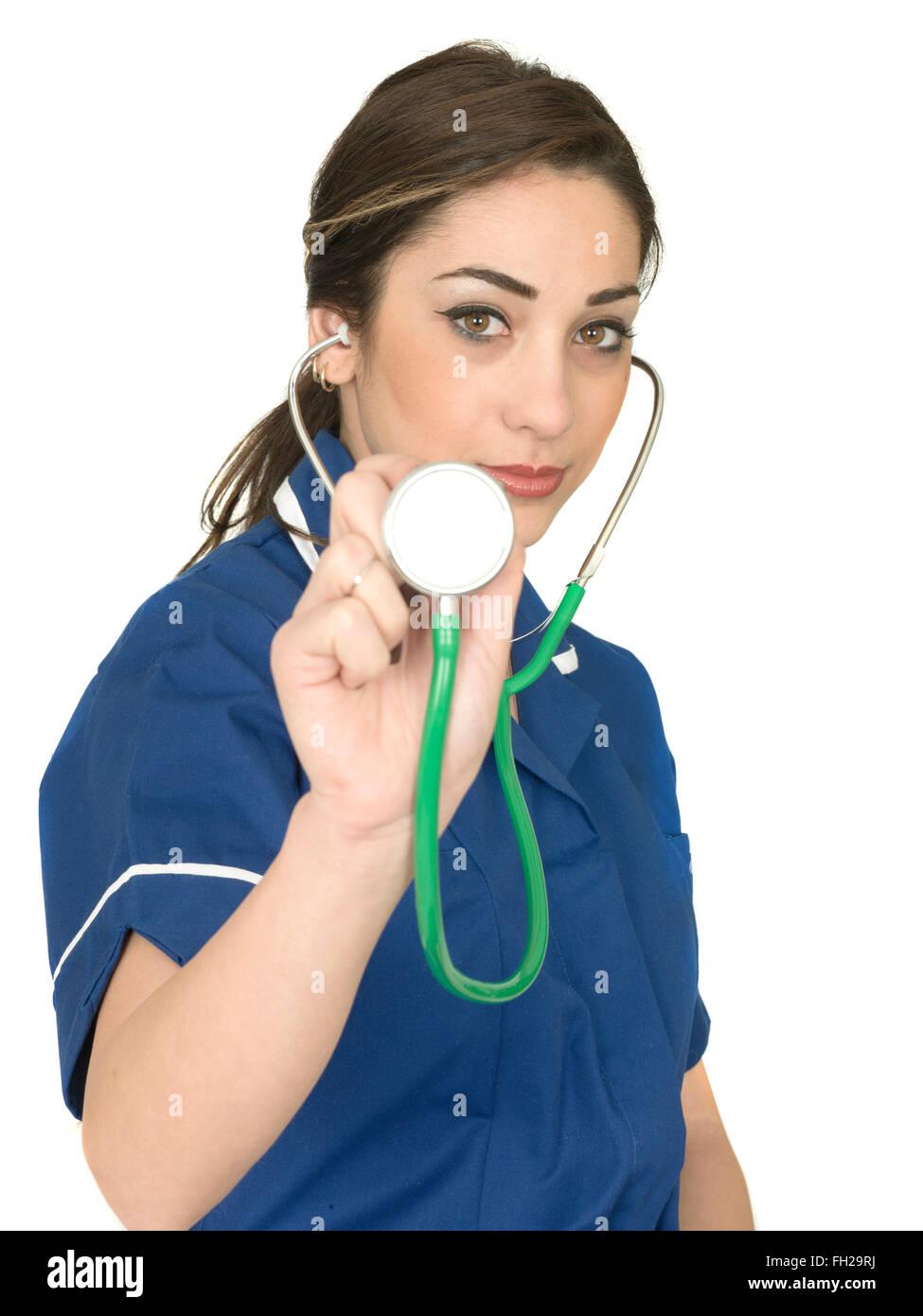 Junge weibliche Junior Arzt Krankenschwester oder Gesundheitswesen Arbeiter in einer blauen Uniform Tunika Stockbild