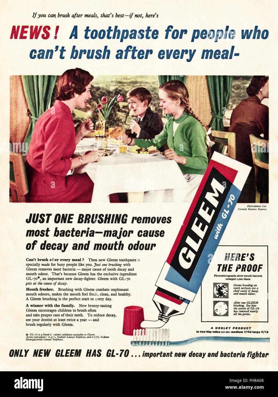 Original Vintage advert von 1950. Werbung Werbung datiert 1956 Gleem Zahnpasta. 50s Retro Stockbild
