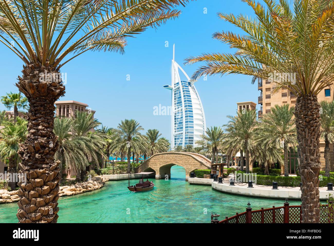 """Eine allgemeine Ansicht des weltweit ersten sieben-Sterne-Luxushotel Burj Al Arab """"Turm der Araber"""", Madinat Stockbild"""