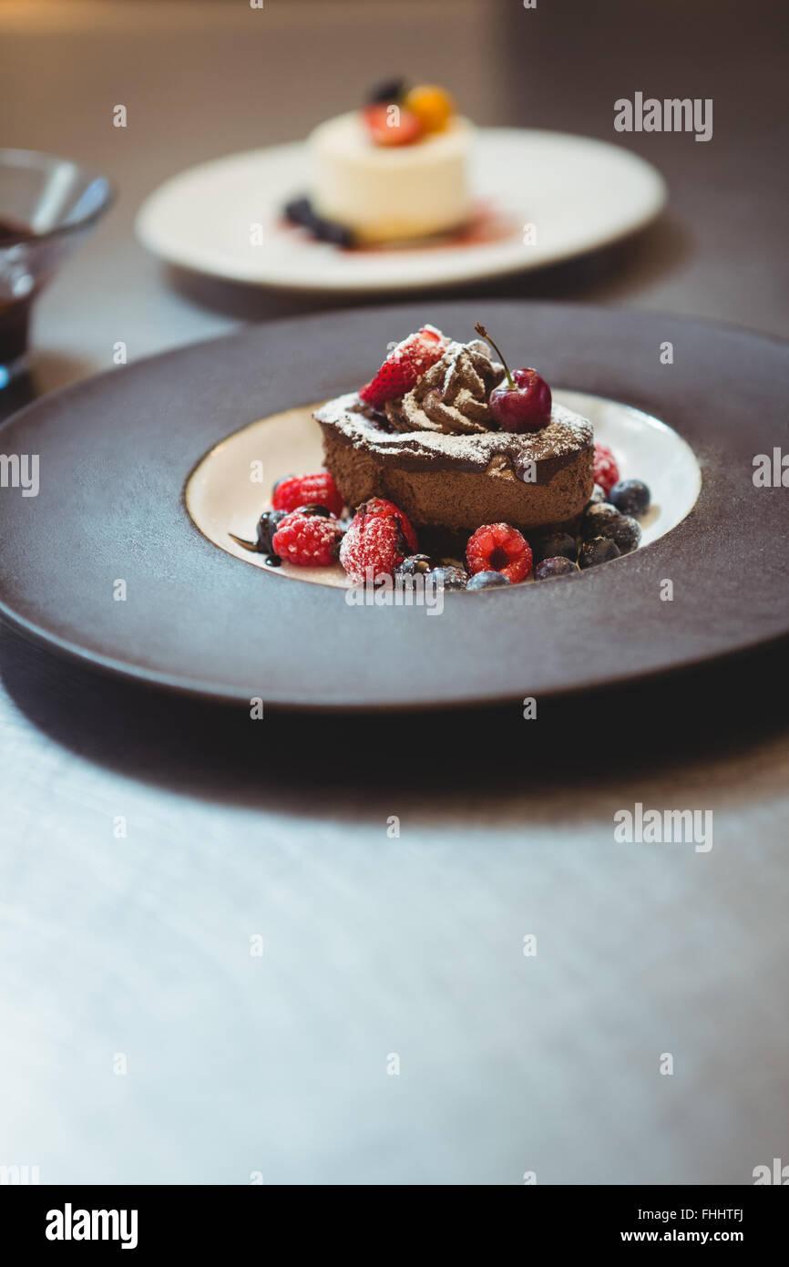 Platten von Dessert in der Reihenfolge-station Stockbild