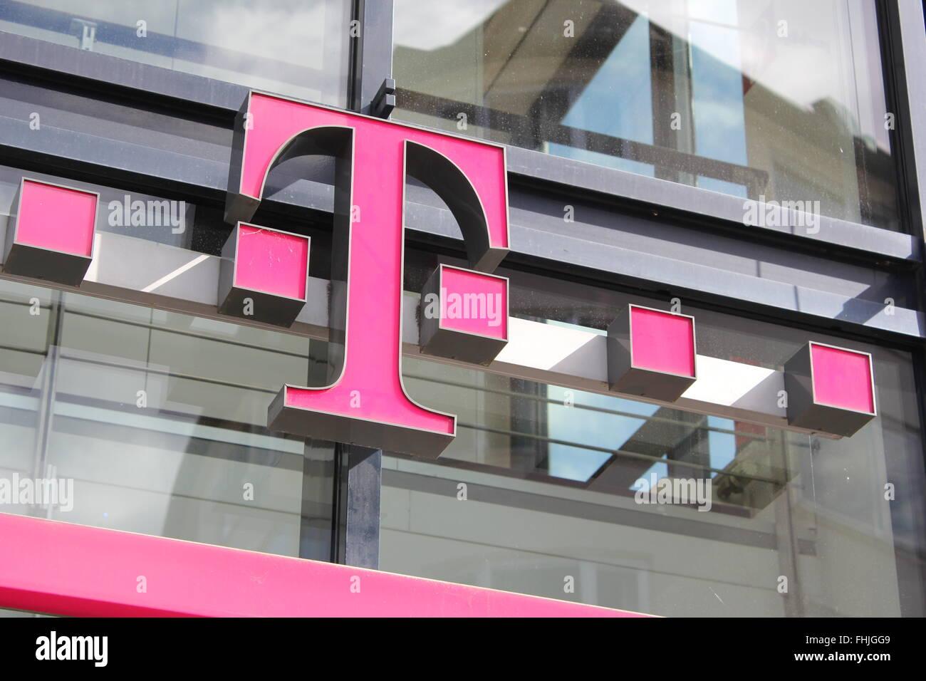 Logo Der Telekom In Bonn Deutschland Stockfoto Bild 96909129 Alamy