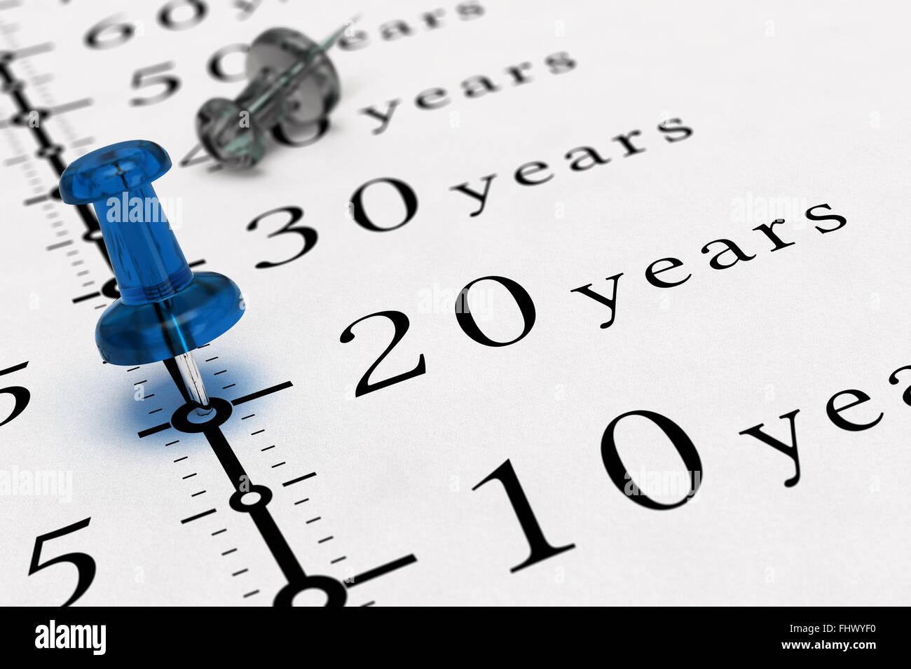 20 Jahre auf ein Papier mit einem blauen PIN, Konzept-Image für Business-Vision oder langfristige prospektive Stockbild