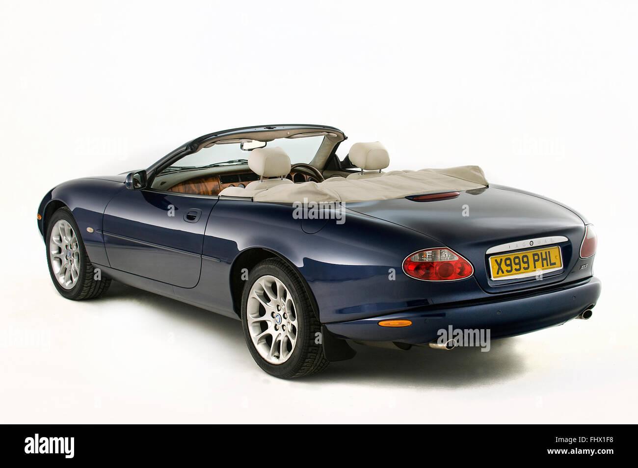 jaguar cabriolet stockfotos jaguar cabriolet bilder alamy. Black Bedroom Furniture Sets. Home Design Ideas
