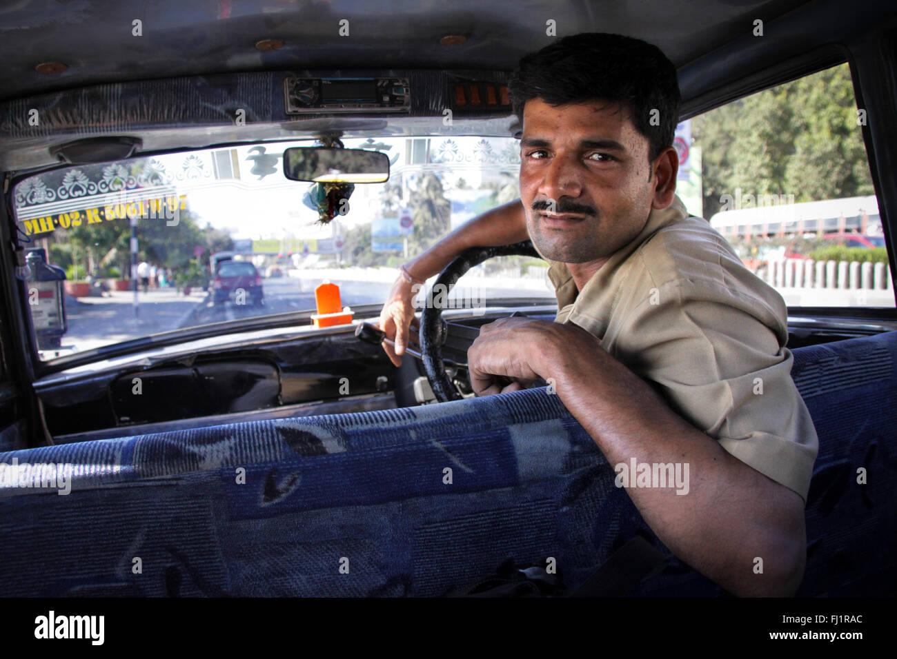 Taxifahrer in Mumbai, Indien Stockbild