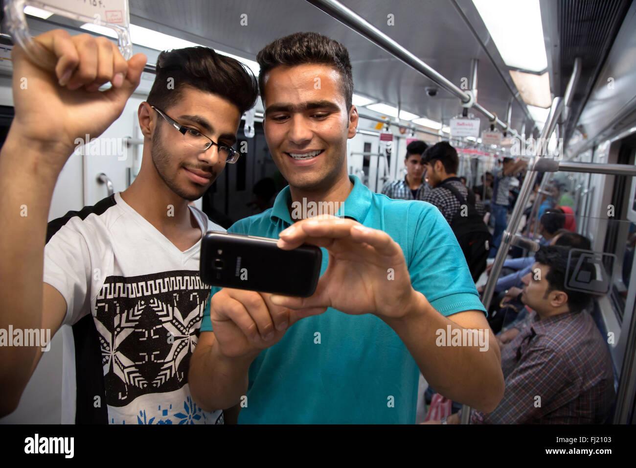 Selfie männer Studie: Selfie
