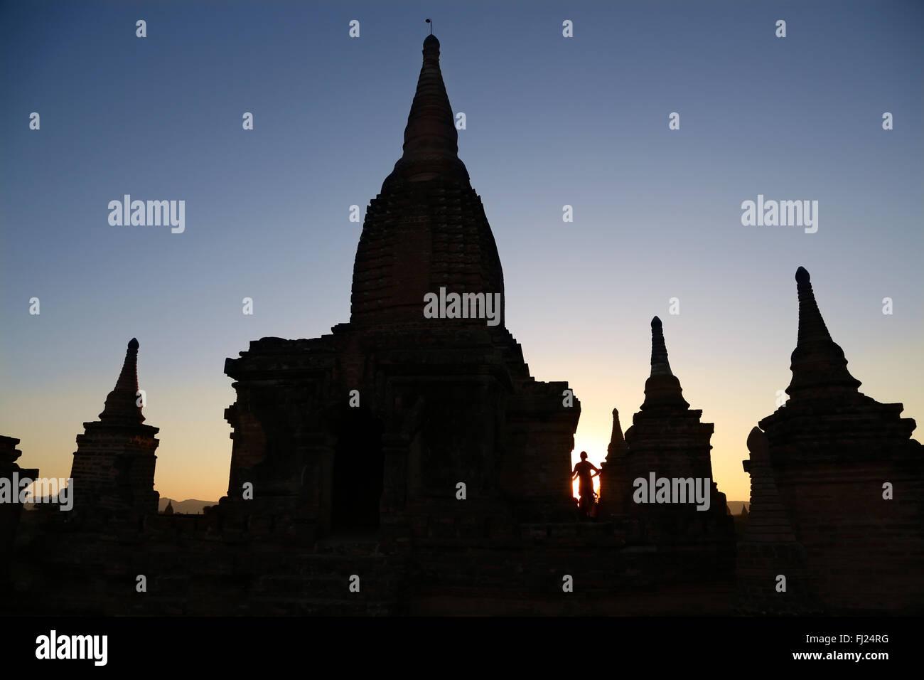 Silhouette der Tempel in Bagan, Hintergrundbeleuchtung, Myanmar Stockbild