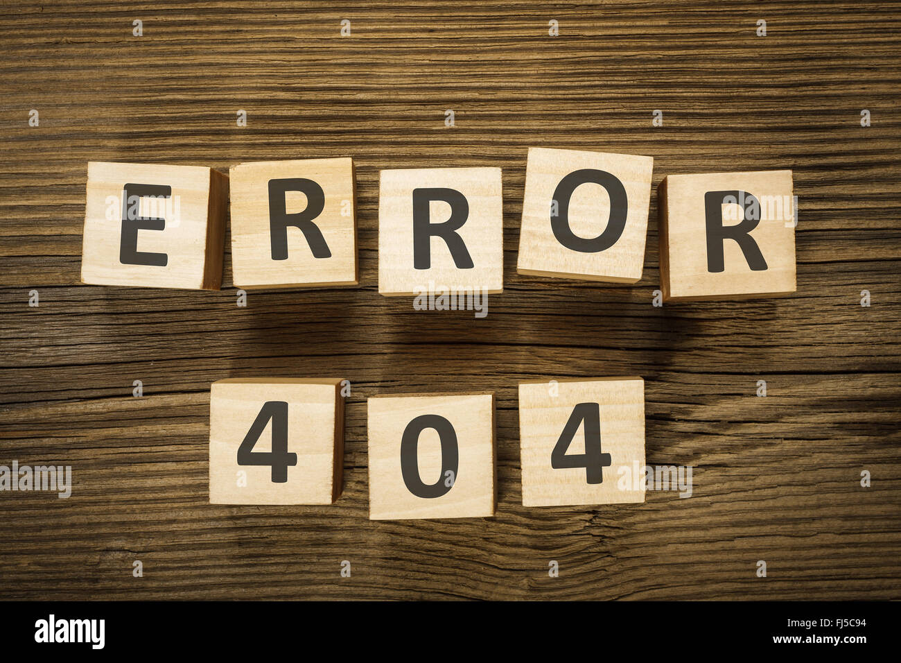 """Inschrift """"Fehler 404' von Holzklötzen gemacht Stockbild"""