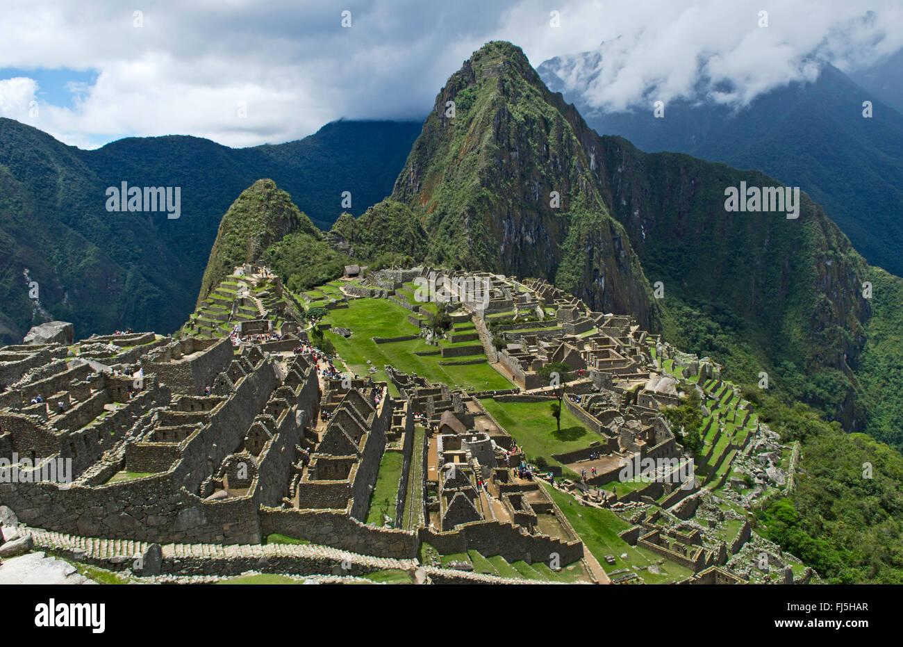 Machu Picchu, die berühmten Ruinen von oben in Peru aus der Inka-Geschichte, Peru Stockbild