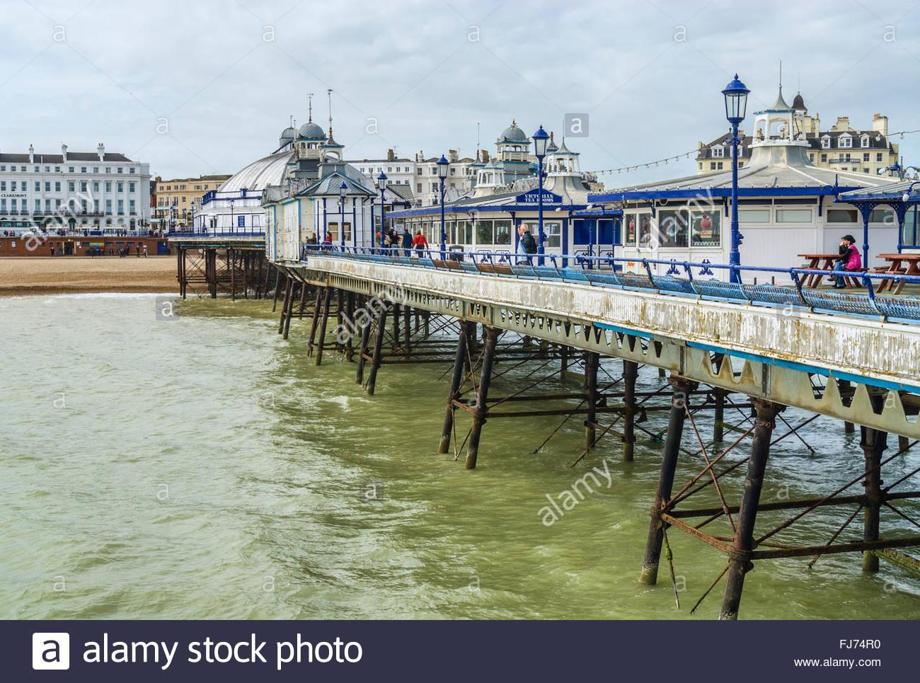 Historische Eastbourne Pier in East Sussex, Südengland | Historische Pier von Eastbourne, East Sussex, Suedengland Stockbild