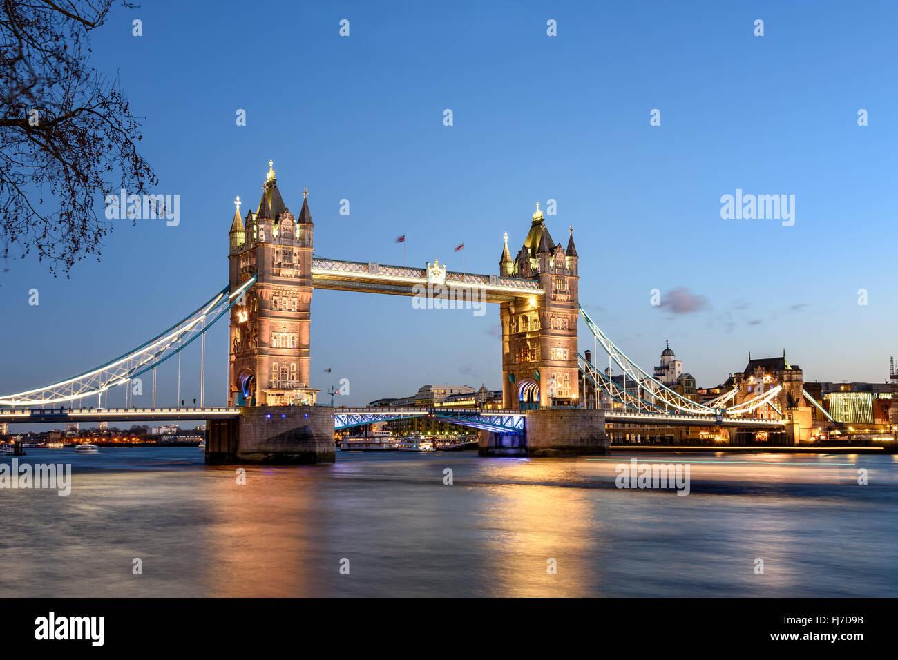 Tower Bridge von London ist das berühmteste Wahrzeichen und Touristenattraktion. Stockbild
