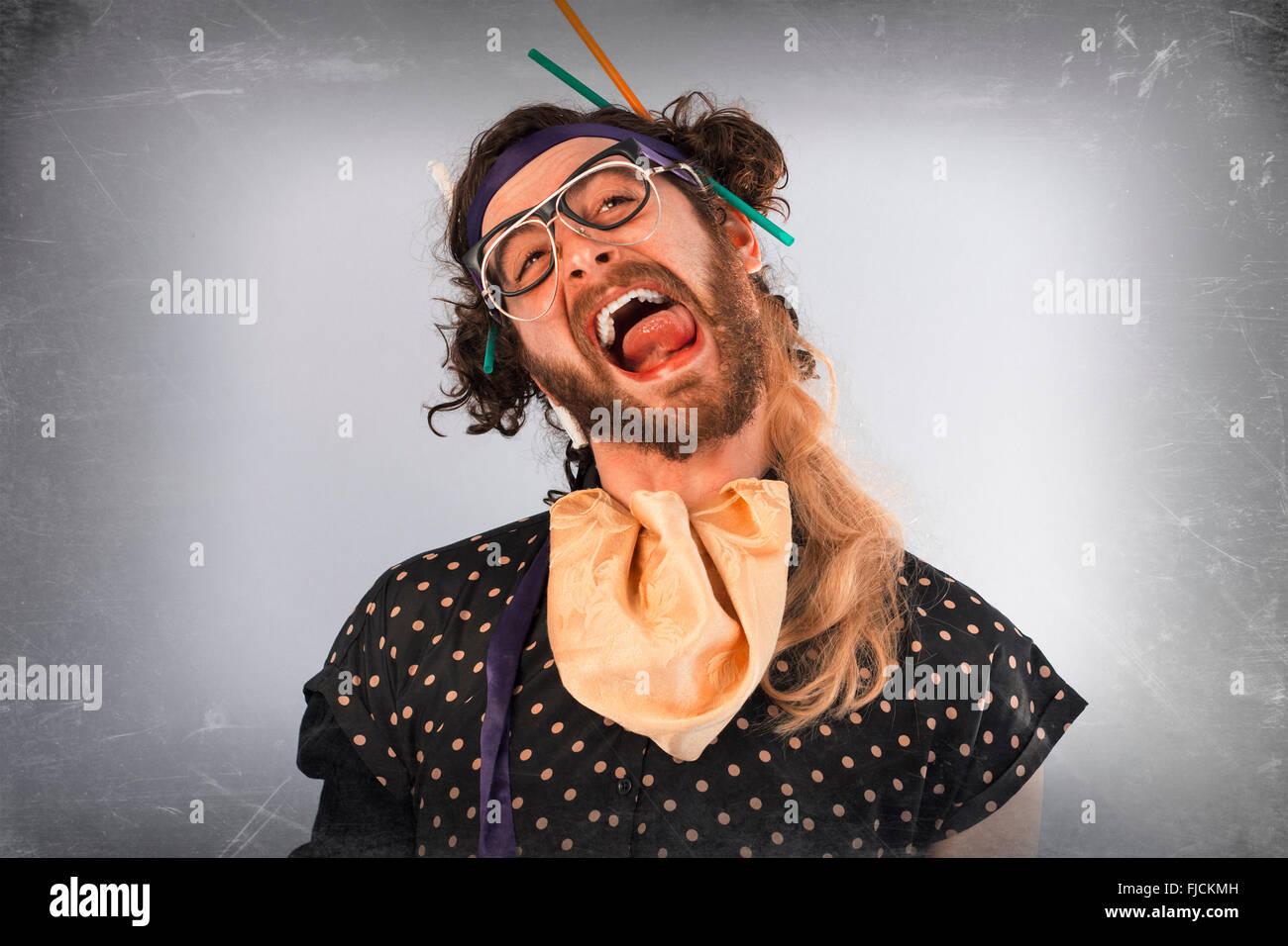 Bärtige verrückte Person lunatic tragen mehrere Paare von Gläsern Stockbild