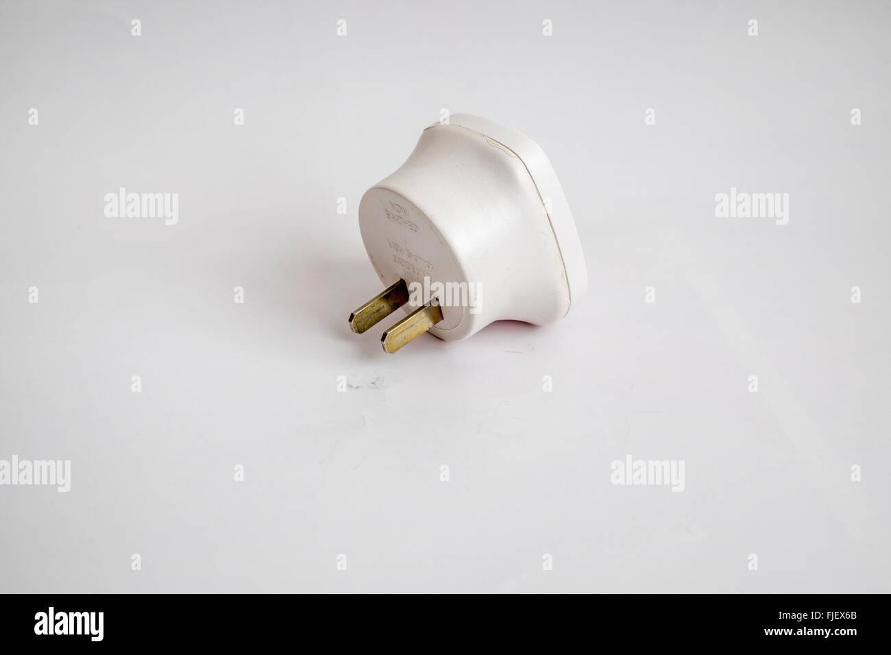 Netzstecker Adapter mit 13 Amp 3-Pin-Sockel in 2 Flachstecker in den Vereinigten Staaten von Amerika verwendet werden Stockfoto