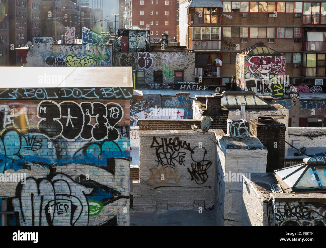 graffiti tags stockfotos graffiti tags bilder alamy. Black Bedroom Furniture Sets. Home Design Ideas