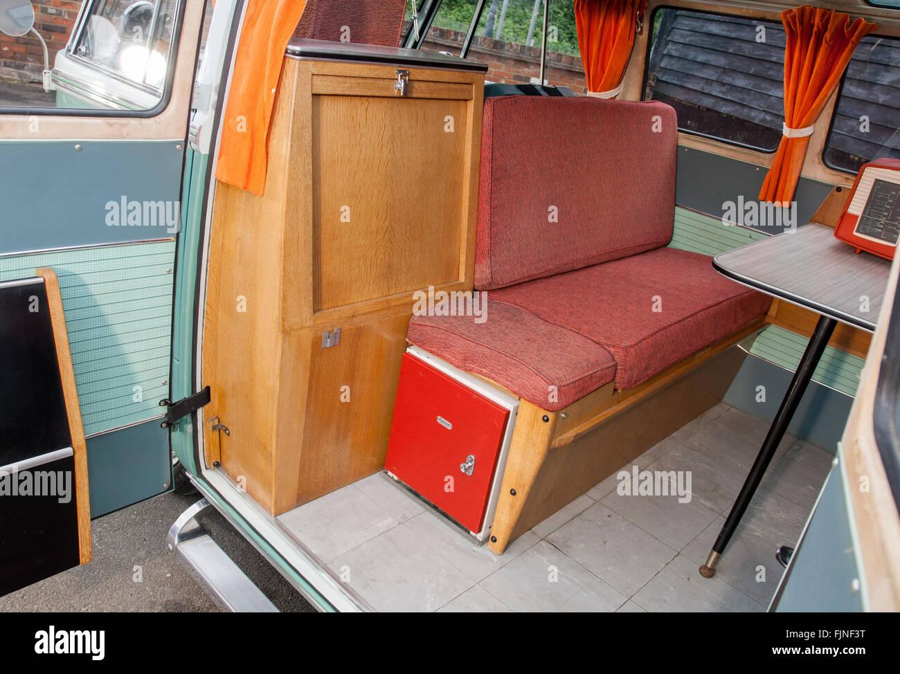 VW Split Screen Camper van Interieur Stockfoto, Bild: 97588508 - Alamy