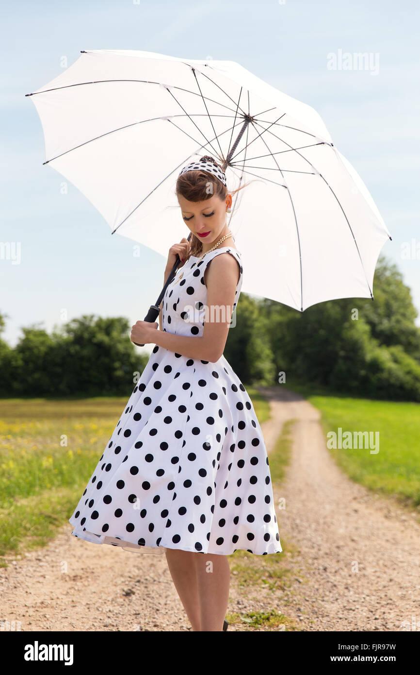 vintage 50er jahre look mit petticoat kleid haarband und. Black Bedroom Furniture Sets. Home Design Ideas