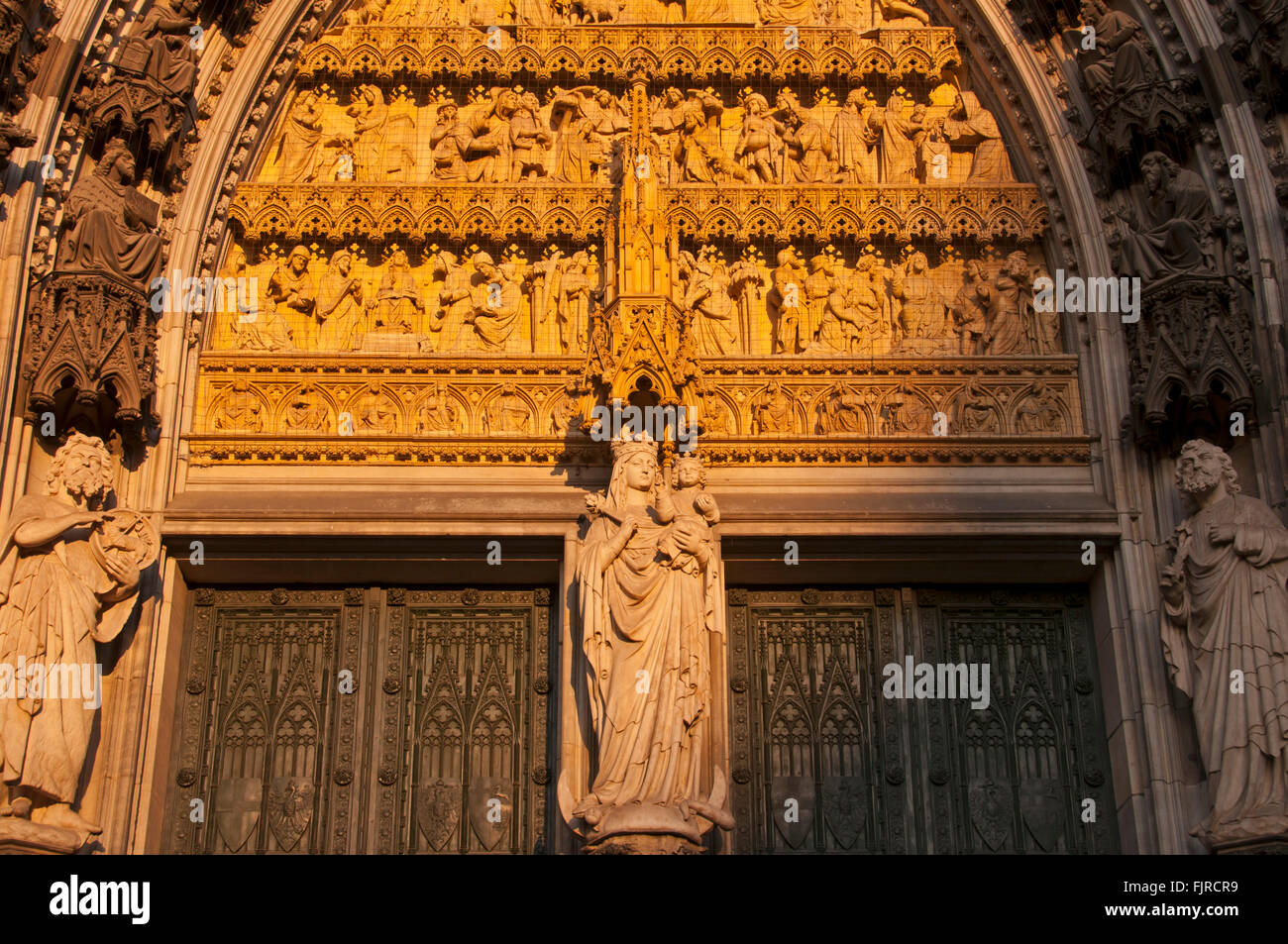 Geographie/Reisen, Deutschland, Köln, Kirchen, Hauptportal der Westfassade der Kölner Dom, Außenansicht, Additional Stockfoto