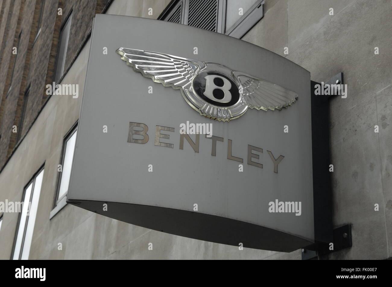 Bentley Auto Logo Schild Jack Barclay Autohaus In Berkeley Square In
