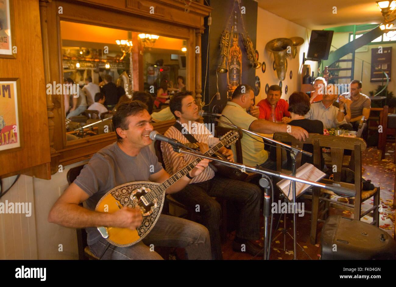 Griechenland, Kreta, Heraklion, Musiker in Einer Taverne Stockbild