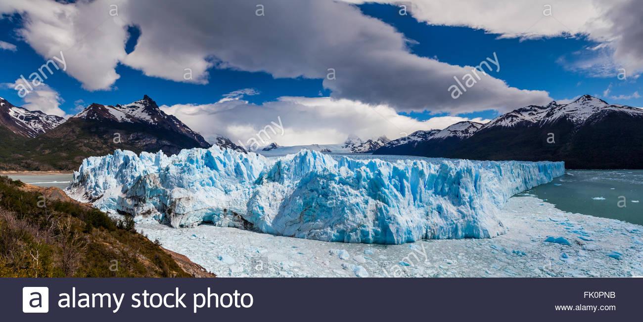 Blaues Eis Perito-Moreno-Gletscher. Patagonien. Argentinien. Stockbild