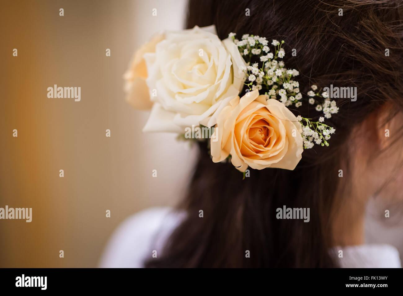 Hubsche Blumen Platziert In Braut Haar Als Dekoration Im Rahmen