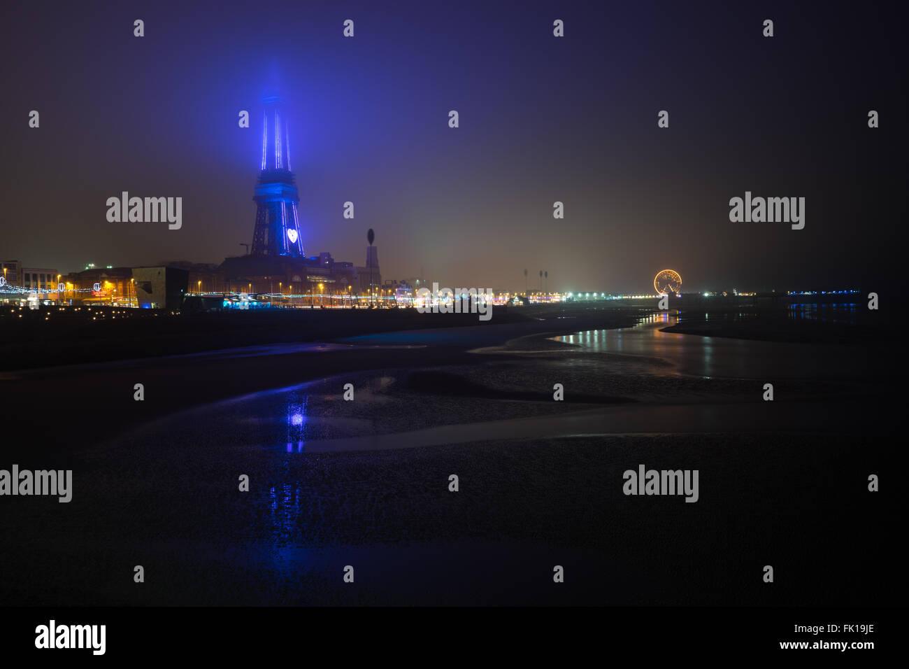 Blackpool Tower im Nebel Stockbild