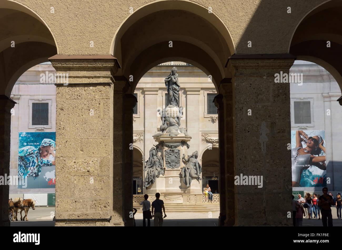 Spalte Mariensaeule, Domplatz oder Domplatz in Salzburg, Österreich Stockbild
