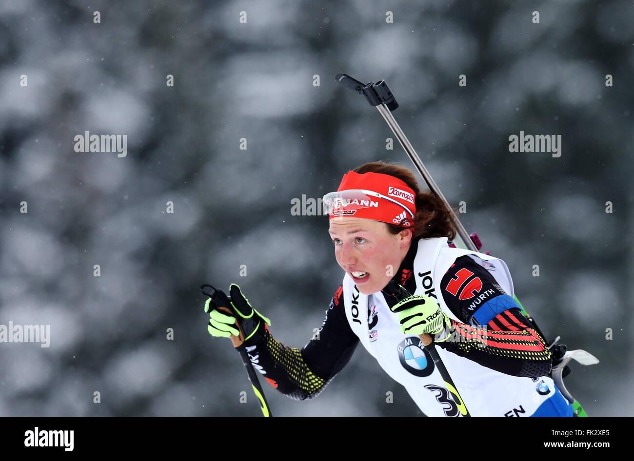 OSLO, NORWEGEN. 6. MÄRZ 2016. Biathlet Laura Dahlmeier Deutschland konkurriert, die Frauen 10 km Verfolgungsrennen Stockbild