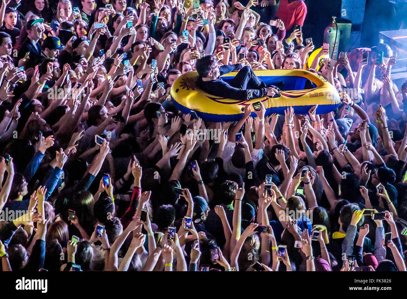 Detroit, Michigan, USA. 4. März 2016. HOODIE ALLEN durchführen auf seine Happy Camper-Tour in The Fillmore Stockbild