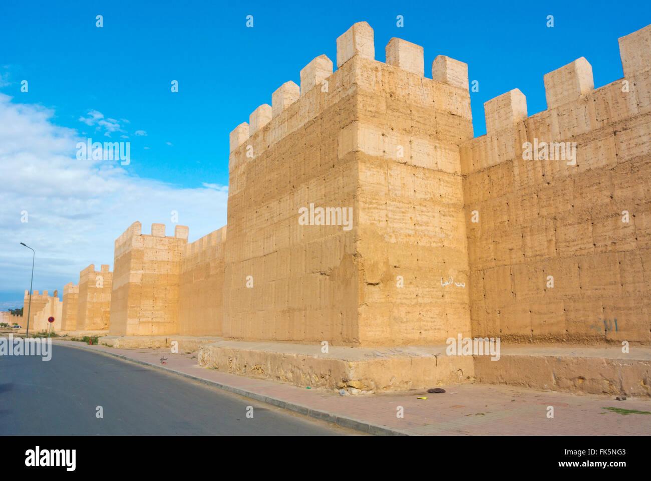 Stadtmauer, Rocade Taroudant, Taroudant, Souss Tal, Süd-Marokko, Nordafrika Stockbild