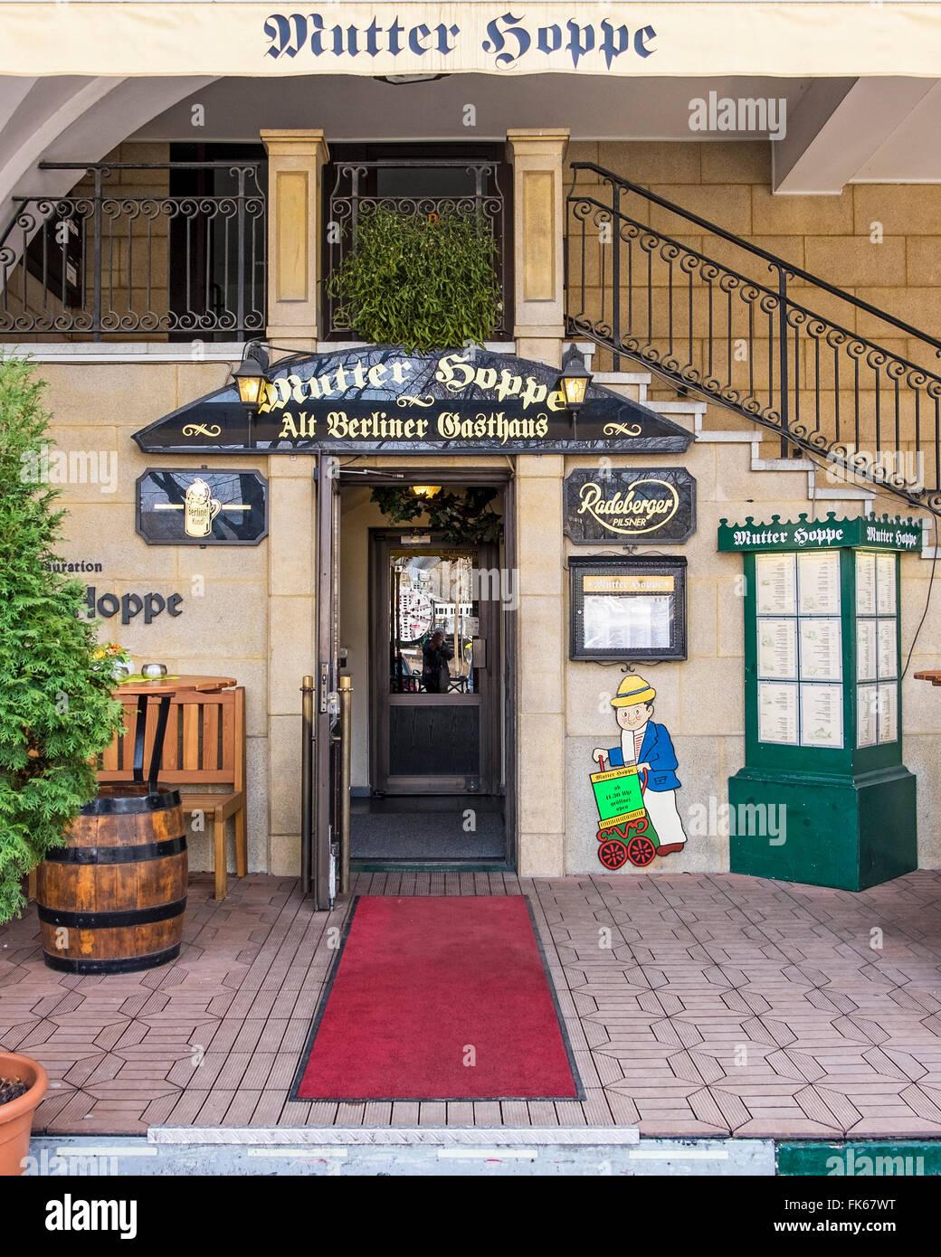 Mutter Hoppe Restaurant Und Bar Serviert Deutsche Kuche In Berlin